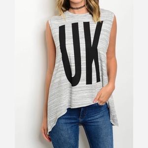 """GRAY WHITE """"UK"""" HIGH LOW GRAPHIC TOP"""